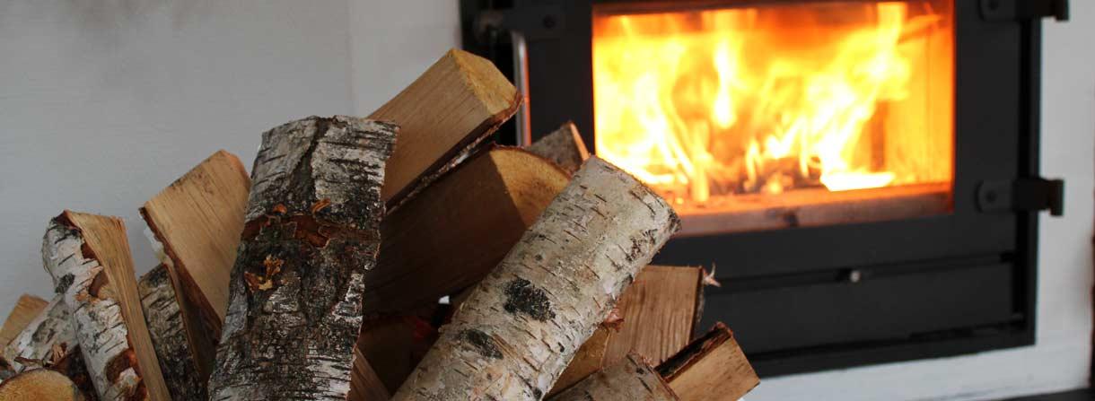 Ovntørret brænde i bedste kvalitet fra Varme-expressen. Vi har mange års erfaring med ovntørring af brænde